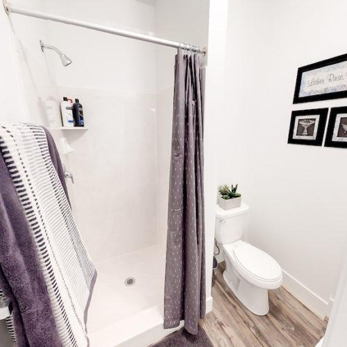 Promenade Place Orem Bathroom